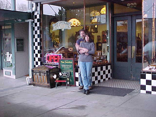 Snohomish bakery antiques is located on main street ie for Furniture edmonds wa